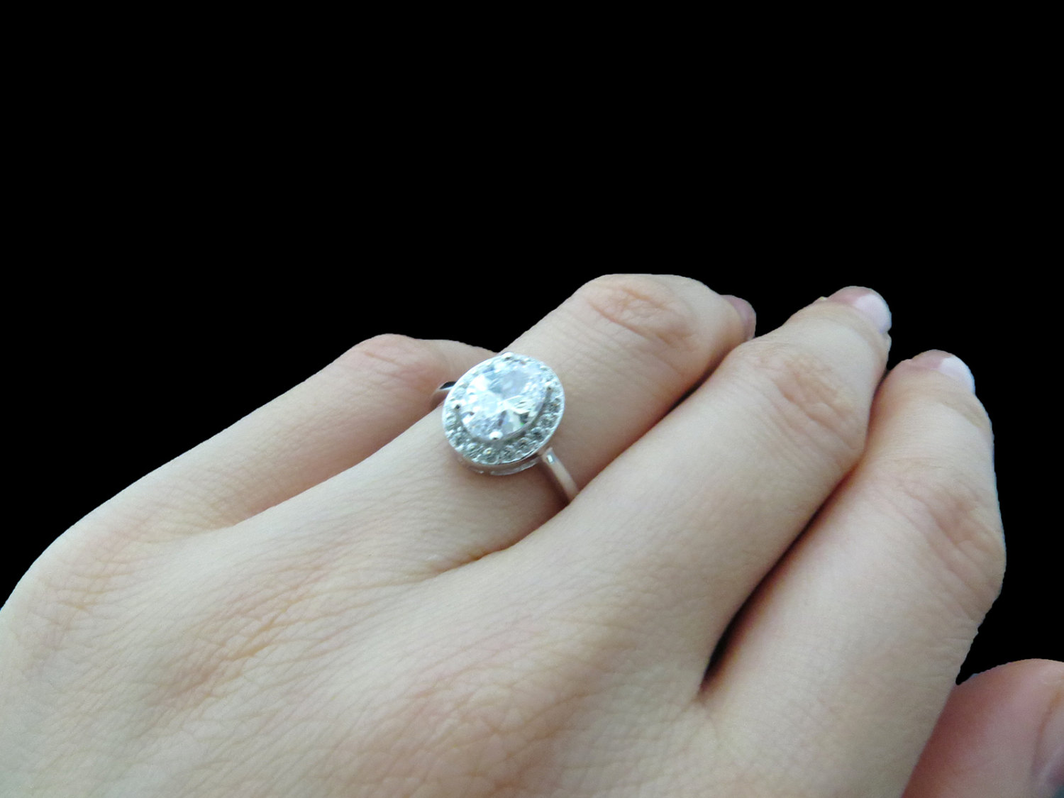 3-stone-diamond-engagement-ring-on-hand-25-carat-diamond-ring-on-hand-wedding-ideas-awesome