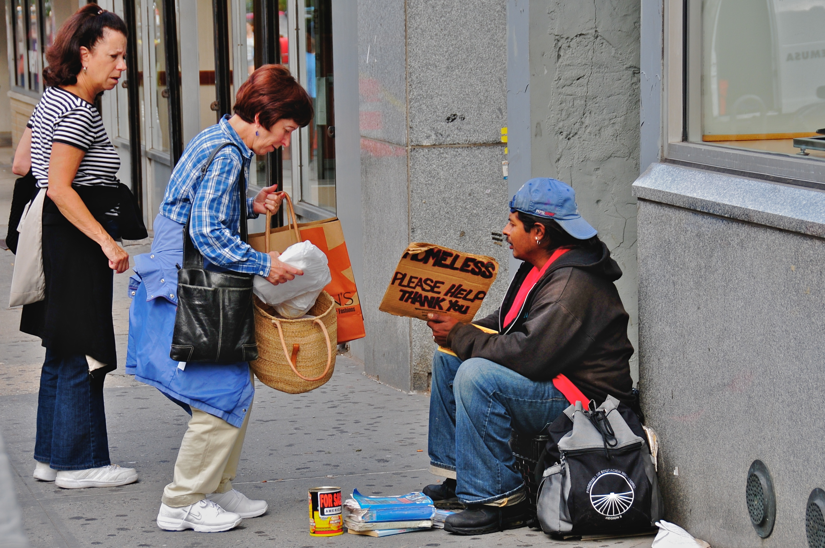 Helping_the_homeless5